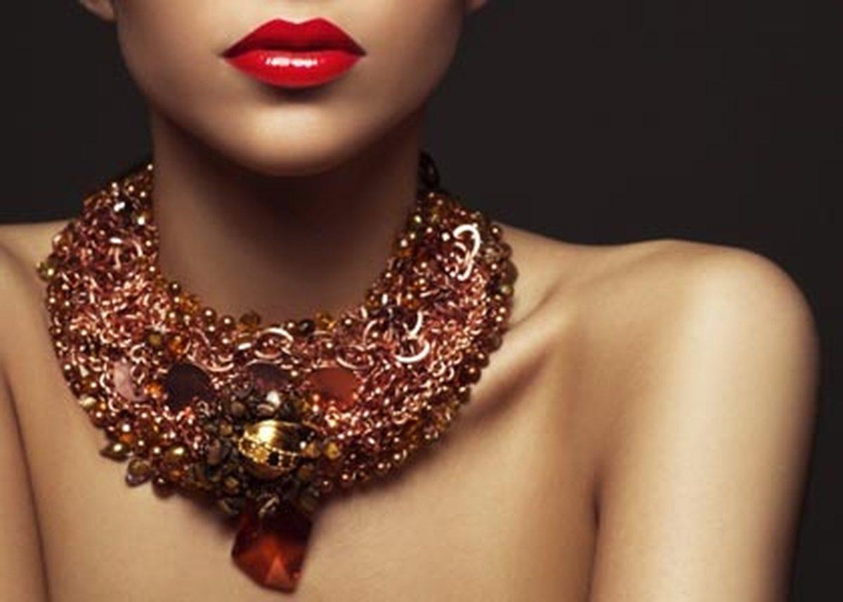 Модные украшения для женщин